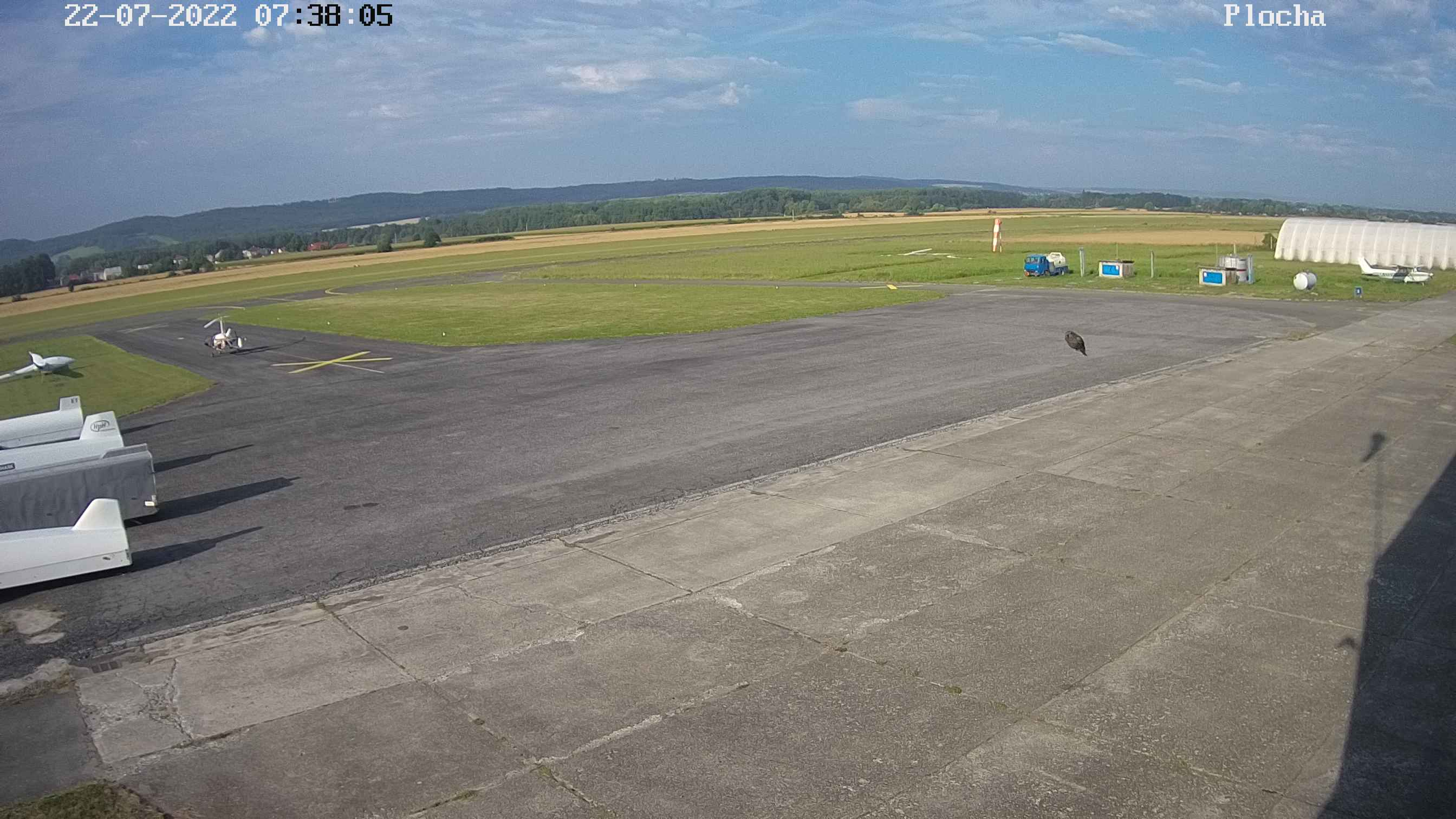 Plocha před hangárem - webkamera